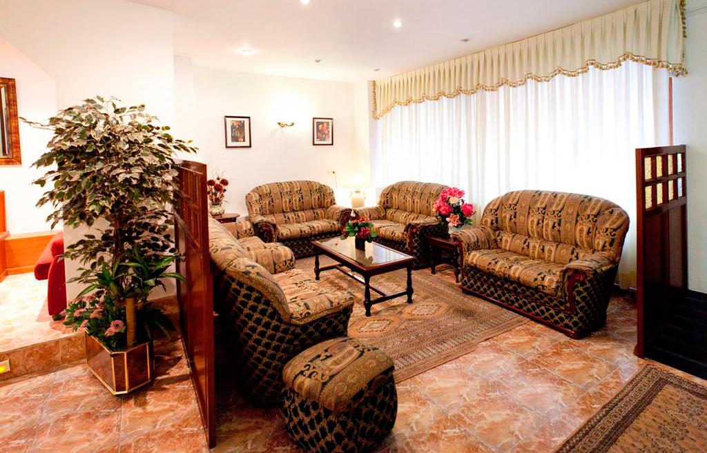 Hall Hotel Nido